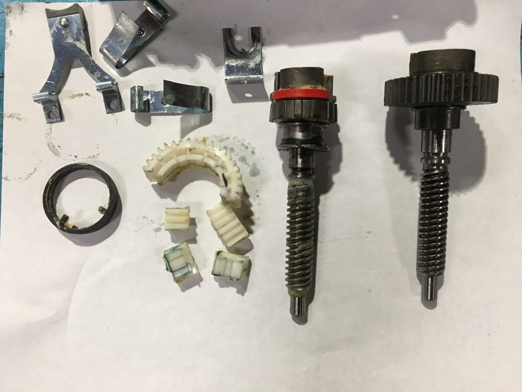 7 Series Parking Break Actuator Plastic and Metal Gear